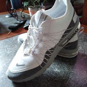 Women's Nike Air Max shoe